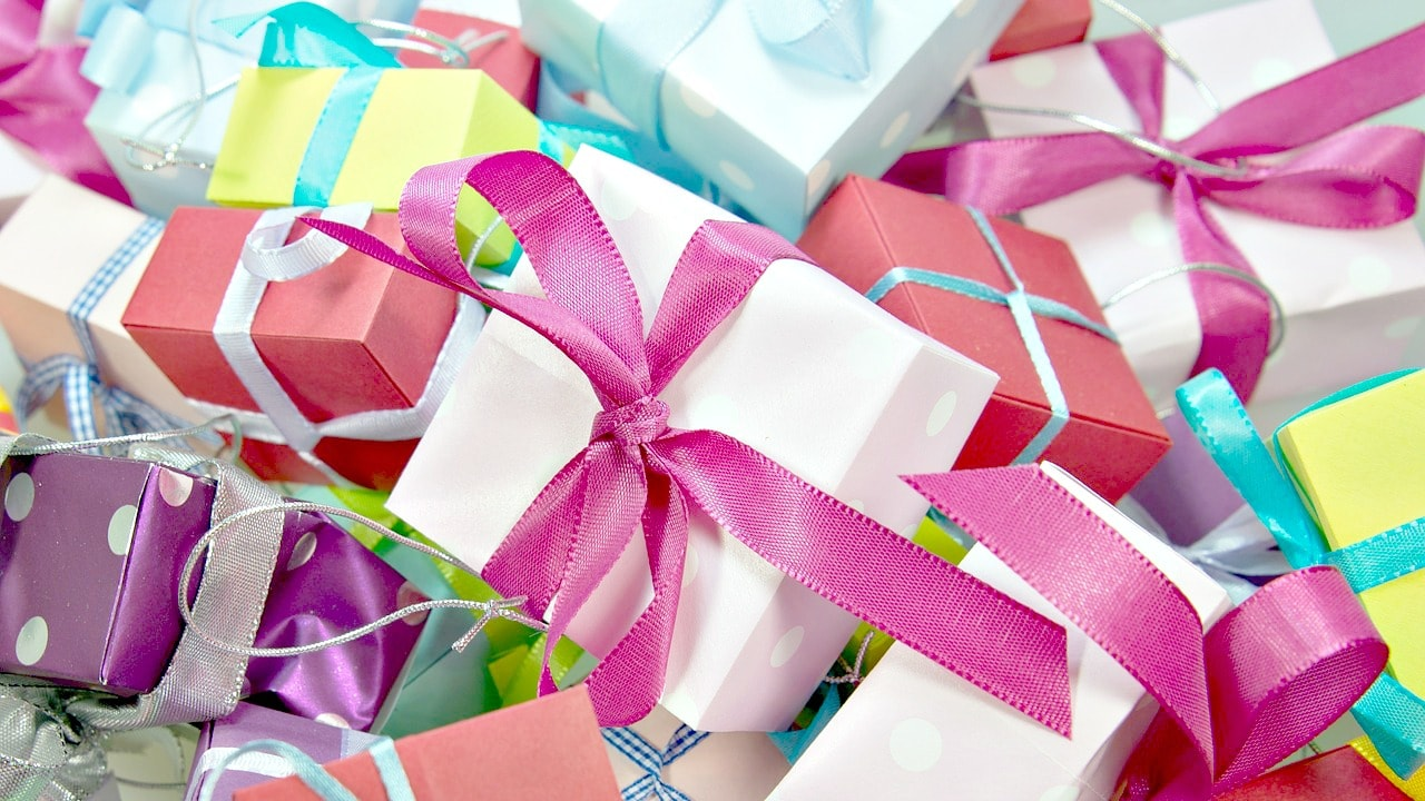 How to Get Rid of Unwanted Christmas Gifts - Unique Gifter
