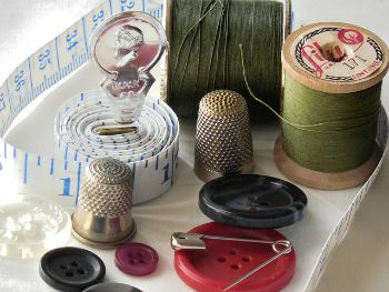 101 Screen Free Gifts for Teens - Sewing Class