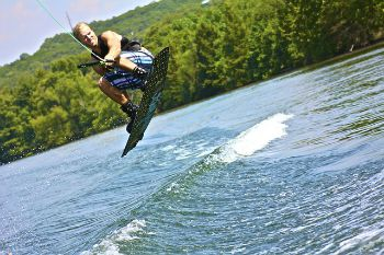 101 Screen Free Gifts for Teens - Wakeboarding Lessons