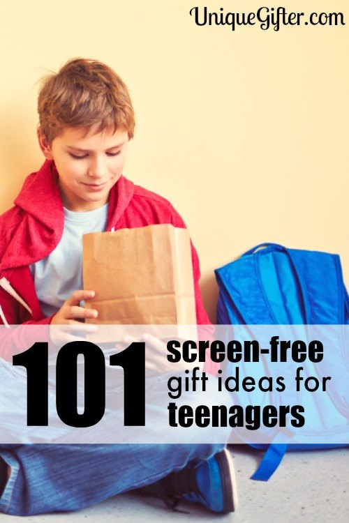 I hate giving electronics as gifts. This list of 101 screen free gift ideas for teenagers is super helpful. You have to PIN THIS for later!
