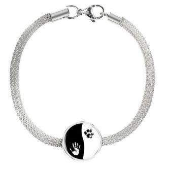Gift ideas for veterinary office staff include this cute charm bracelet.