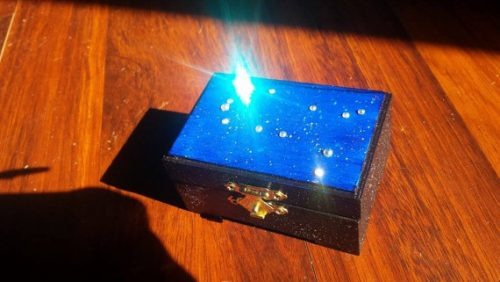Gemini constellation box - gift ideas for a Gemini woman