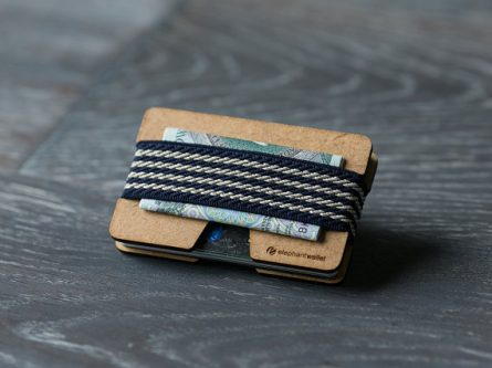 Give your husband a wooden wallet for his 40th birthday