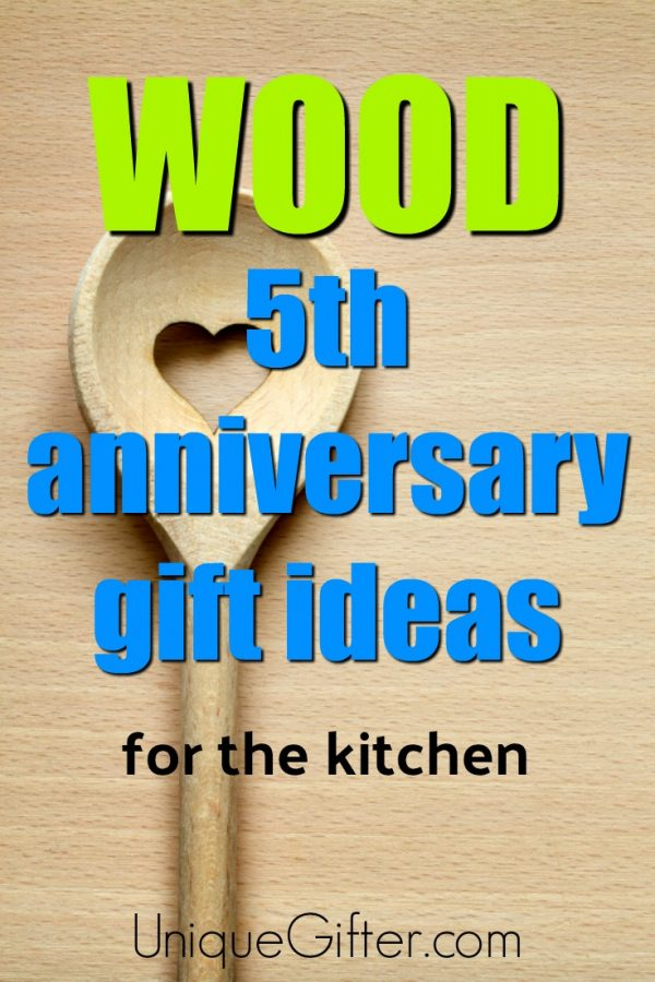 20 Wood 5th Anniversary Gifts for the Kitchen
