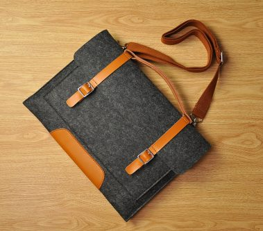 laptop bag to say thanks to your mentor