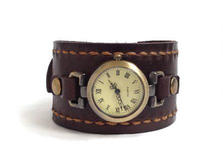 Stylish leather watch
