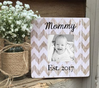 What a cute first mother's day gift ideas!