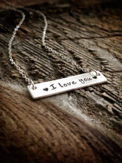 """""""I love you"""" Bar Necklace"""