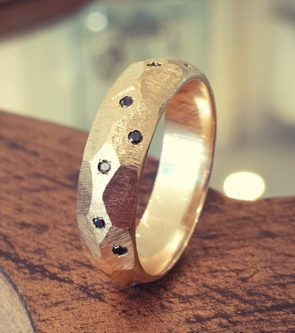 Exquisite gold ring gift idea for him