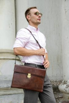 luxurious laptop bag for boyfriend expensive Christmas gift
