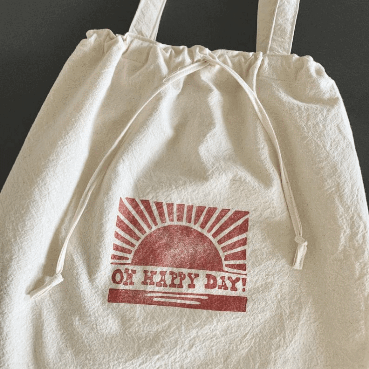 adorable retro tote bag gift idea for teenage girls