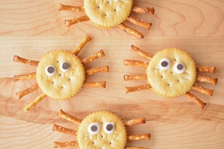 Easy Ritz Cracker Spiders