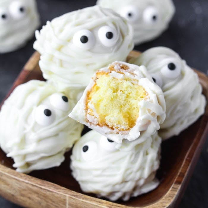 Easy Halloween Treat Donut Hole Mummies