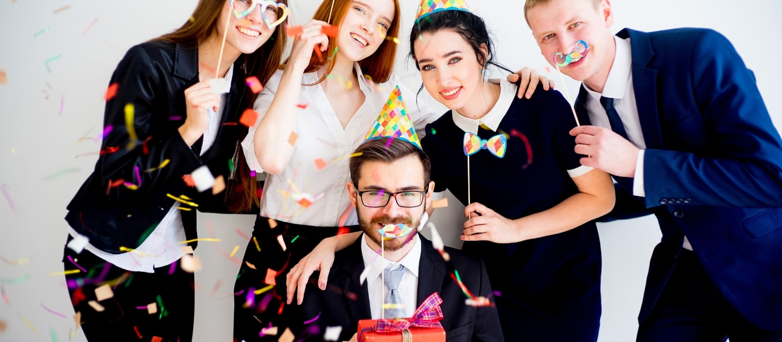How to Throw a Surprise Party on the Cheap