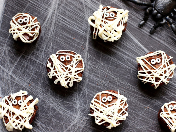 Easy Mummy Brownies for Halloween