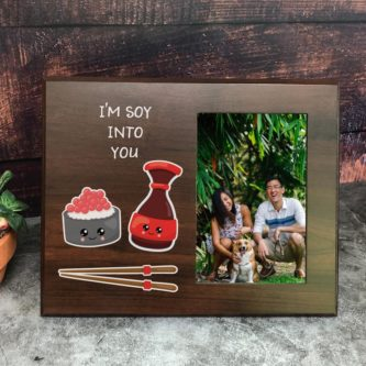 A nice (or cute) photo frame with photo