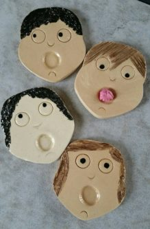 Funny chewing gum holder for kids