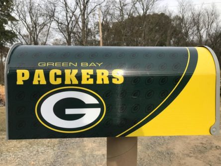 Mailbox Green Bay Packers logo and colors