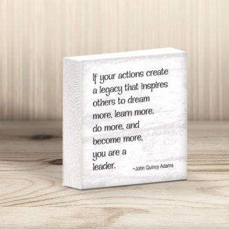 desk top leadership quote block