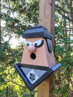 LA Kings handmade birdhouse