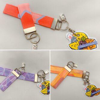 epcot bubblegum keychain