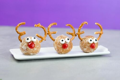 Donut hole rudolf reindeer treat recipe